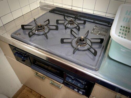 3口の調理用ガスコンロ