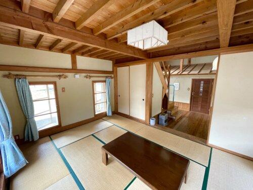 コテージ和室の12畳リビング