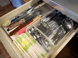 備え付けのナイフやスプーンフォークなどカトラリー類