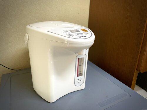 コテージに備え付けの湯沸かしポット