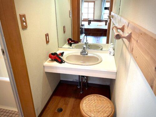 コテージの洗面所